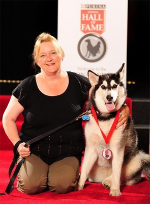 Nanook and Coleen Kilby during the Purina Animal Hall of Fame awards ceremony.