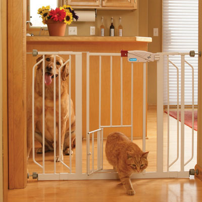 Carlson™ Pet Products Extra Wide Walk-Thru Gate