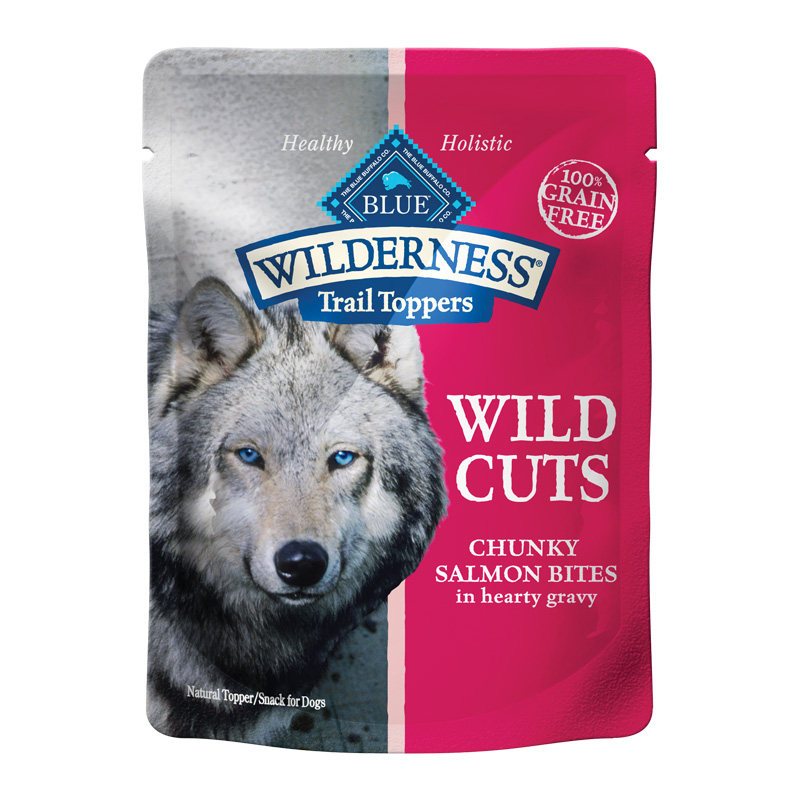 Blue Buffalo Blue Wilderness Wild Cuts Trail Toppers Chunky Salmon Bites in Hearty Gravy 3 oz I016939